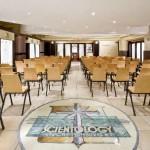 Tous les rassemblements de la communauté scientologue (incluant les mariages, baptêmes et services dominicaux) se déroulent dans la nouvelle chapelle de l'Église de Scientologie de Hambourg. La chapelle est aussi un lieu approprié pour l'organisation de conférences publiques, d'ateliers et d'événements communautaires.