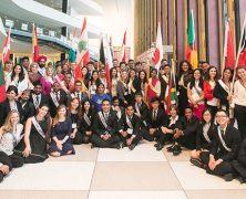Des jeunes engagés dans l'éducation des droits de l'Homme