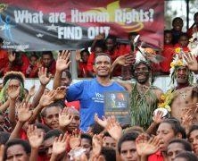 Il forme la police aux droits de l'Homme