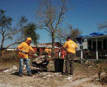 Les ministres bénévoles de Scientologie sur le terrain à Rockport (Texas)