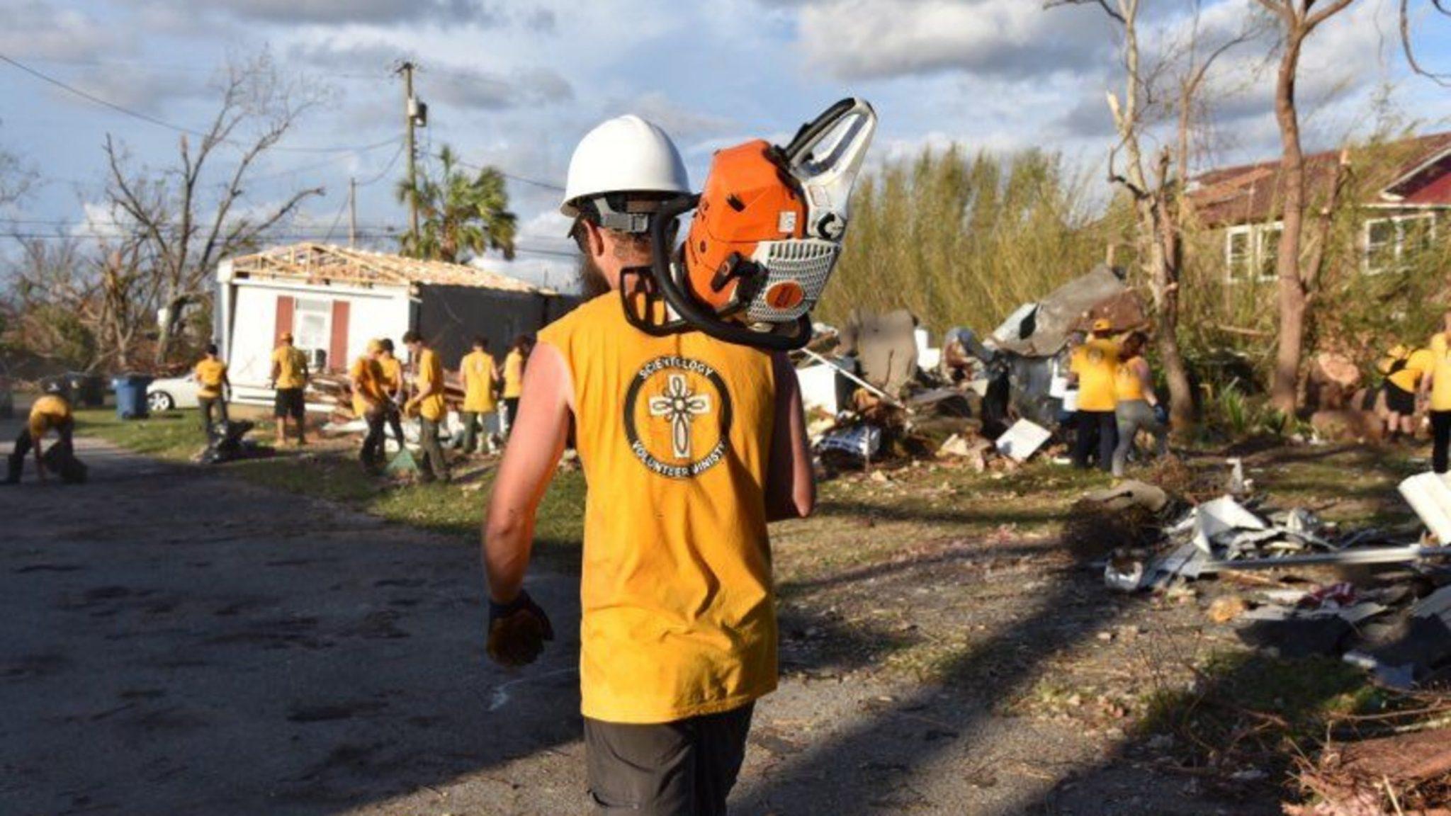 Aider les familles à faire face aux dégâts causés par l'ouragan Michael