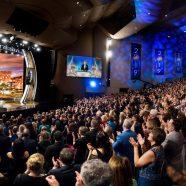 Une fête d'anniversaire mémorable : des scientologues de 70 nations se réunissent pour honorer le fondateur L. Ron Hubbard