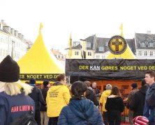 Une aide efficace dans la tente jaune au cœur de Copenhague