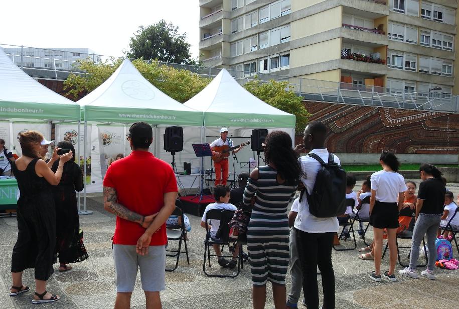 Aubervilliers : une association fait le ménage dans la cité