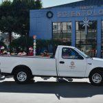 Unir ses forces avec la LAPD pour apporter Noël aux enfants défavorisés