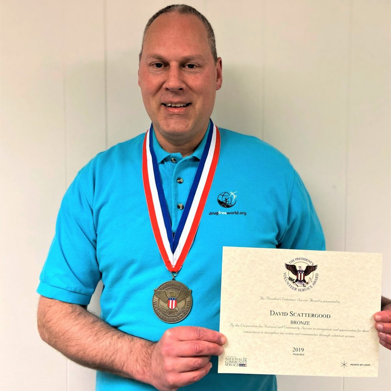 Un Amérindien de Washington reçoit le Prix du service bénévole présidentiel contre la toxicomanie