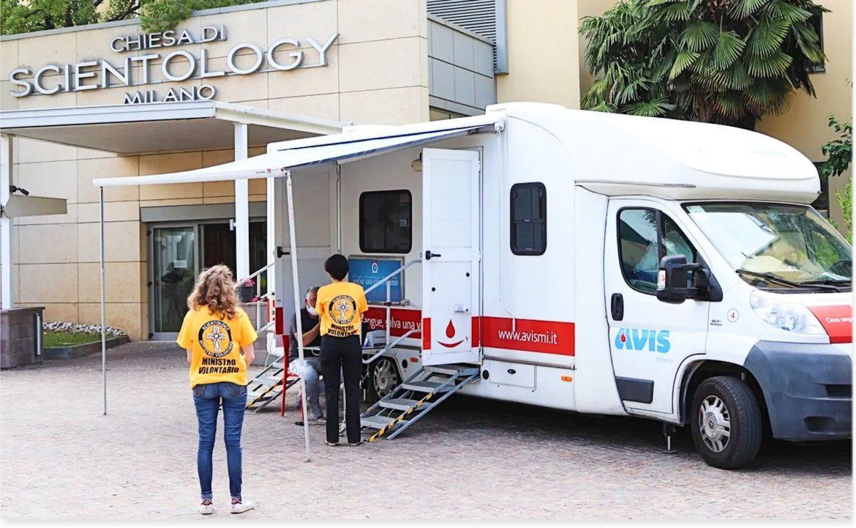 Une centaine de bénévoles scientologues participent à une collecte de sang  pour répondre à un besoin urgent